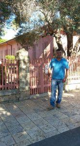 אפי נחמיאס מול בית אהרונסון