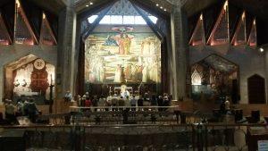 מיסה בכנסיית הבשורה בנצרת.