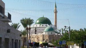 מסגד אל ג'זאר בעכו-השני בגודלו בארץ ישראל.