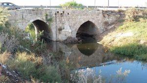 גשר ג'ינדס הממלוכי של בייברס בלוד