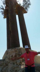בהדרכה בגן פסלי הזית ברמת רחל