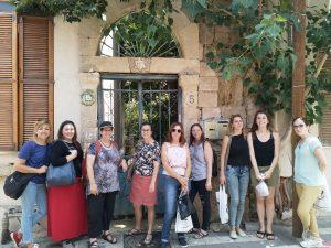 סיור מודרך בשכונת נווה צדק ביפו תל אביב.