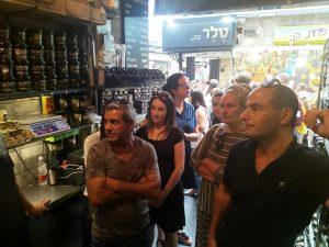ביקור בטחינה המלך עם קבוצת מהנדסים מאריאל בשוק מחנה יהודה.