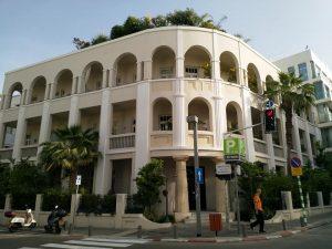 בית מפואר בנחמני פינת אחד העם בתל אביב