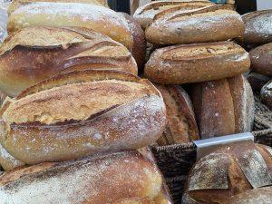 לחם מחמצת במאפית טלר בשוק מחנה יהודה בירושלים.