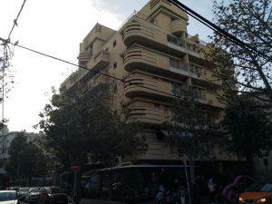 סיגנונות בניה בתל אביב ואמנות